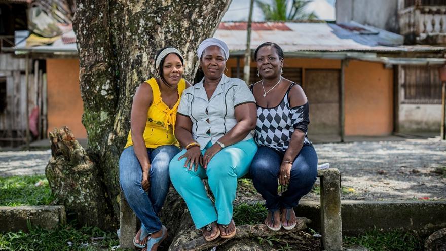 De izquierda a derecha, Maritza Cruz, Gloria Murillo y Mery Medina, dinamizadoras de la Red Mariposas / Fotografía: ACNUR