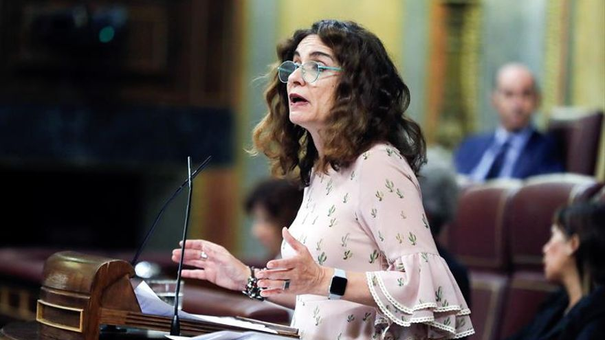 Montero reprocha las abstenciones a unos objetivos que mejorarían la calidad de vida
