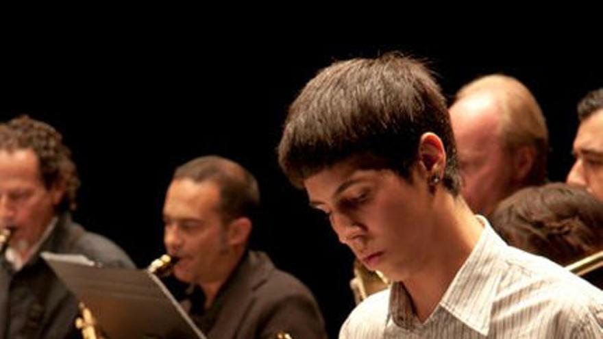 Aarón Barreiro, estudiante canario de percusión jazz en Barcelona que ha puesto la banda sonora al cortometraje 'Infame', emitido en Cannes en la sección 'Short film corner'.