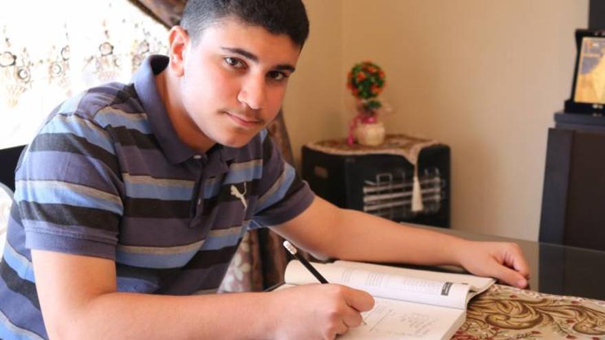 Ismail Ajjawi, estudiante refugiado de Palestina en Líbano
