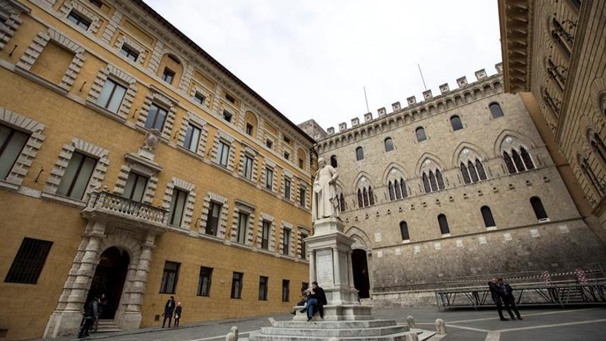 La CE autoriza a Italia a recapitalizar Monte dei Paschi con 5.400 millones