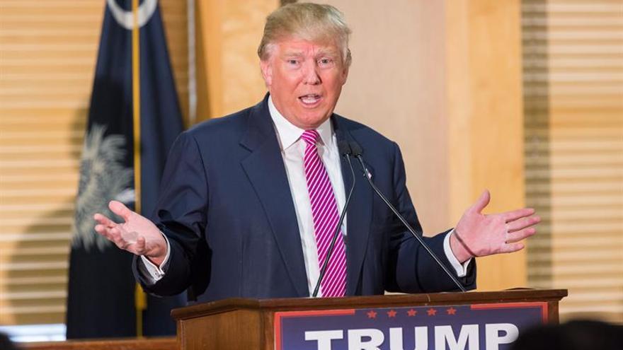 Trump da juego a las teorías que apuntan al asesinato en la muerte del juez del Supremo