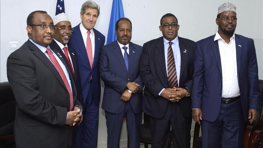Kerry alaba los progresos en Somalia y ofrece ayuda para lograr la paz