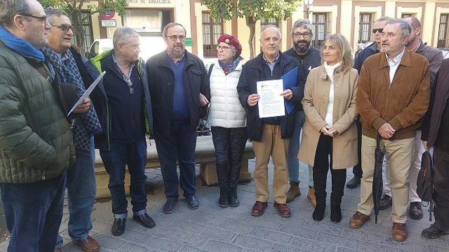 """PP y Cs, a 70 días de ser demandados por """"incumplir"""" la ley andaluza de memoria y por no actuar con los restos de Queipo"""