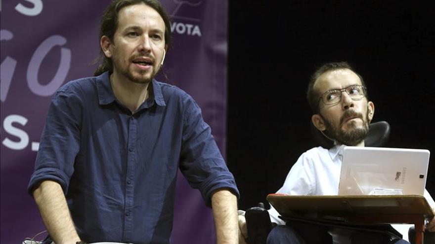 Pablo Iglesias y Pablo Echenique en un mitín celebrado en Zaragoza,