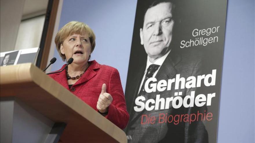 """Merkel exige """"transparencia total"""" en el escándalo de Volkswagen"""