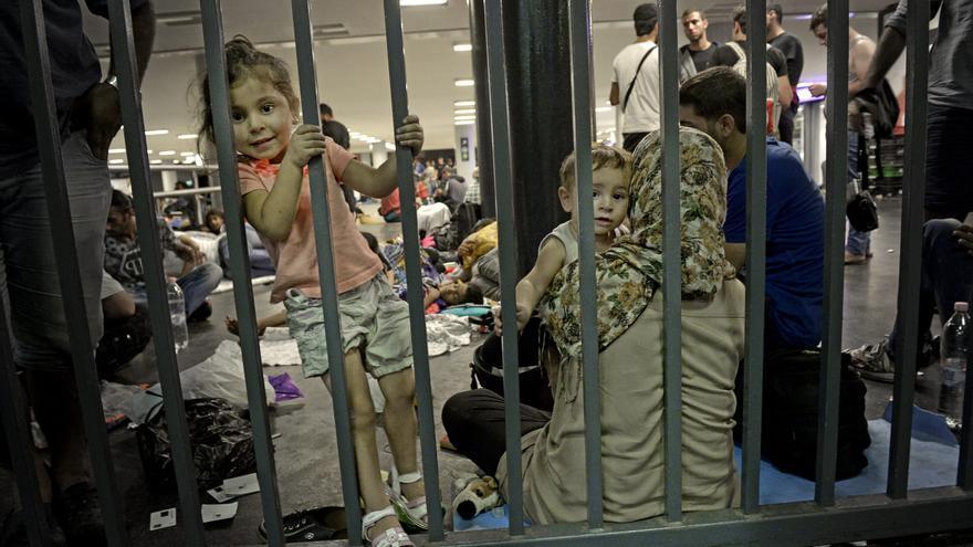 La estación se ha convertido en un campo de refugiados improvisado