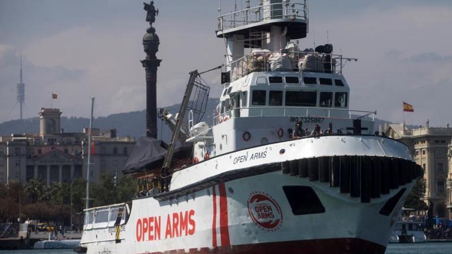 Ábalos: El capitán del Open no puede pedir asilo para los menores rescatados
