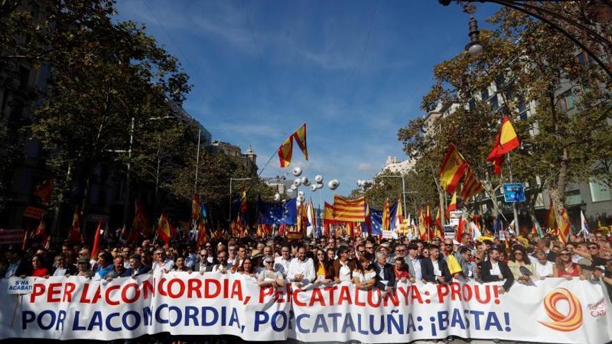 La Guardia Urbana cifra en 80.000 los manifestantes en Barcelona, SCC calcula 400.000