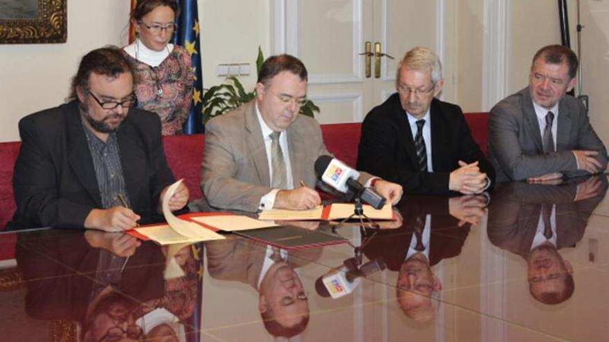 Universidades españolas colaborarán en la formación de docentes ecuatorianos