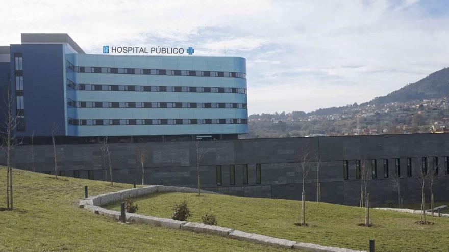 """Simulación del nuevo letrero de """"hospital público"""" en el Álvaro Cunqueiro de VIgo, incluida en los pliegos del contrato"""