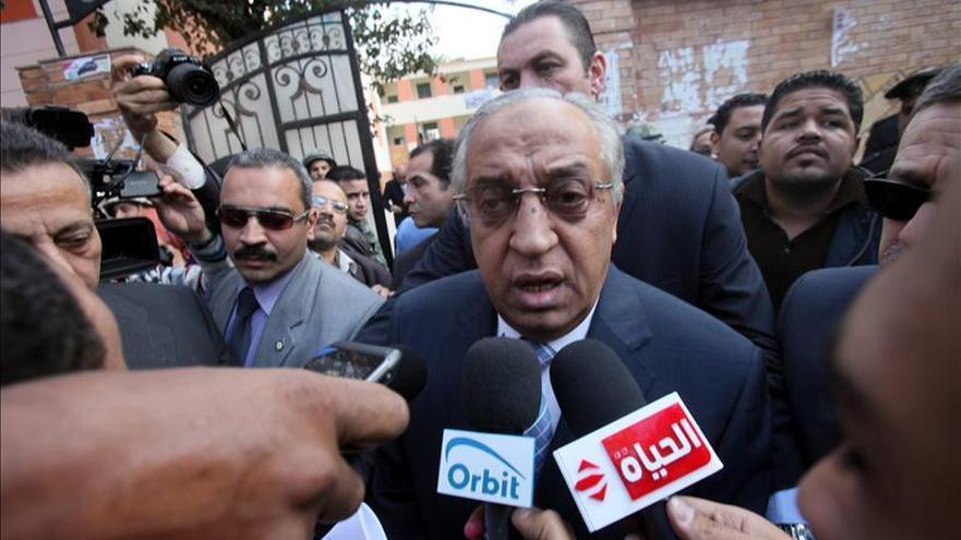 Condenado a dos años de cárcel el ministro del Interior egipcio por desacato