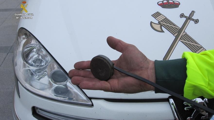 Denunciados tres camiones por manipular los tacógrafos