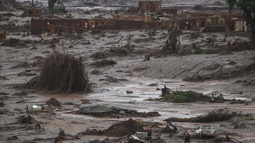 Minera pagará 23.000 euros por víctima del vertido de lodo tóxico en Brasil