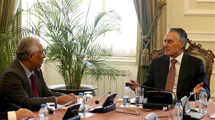 """El presidente luso se reúne con el líder socialista en pleno """"impasse"""" político"""
