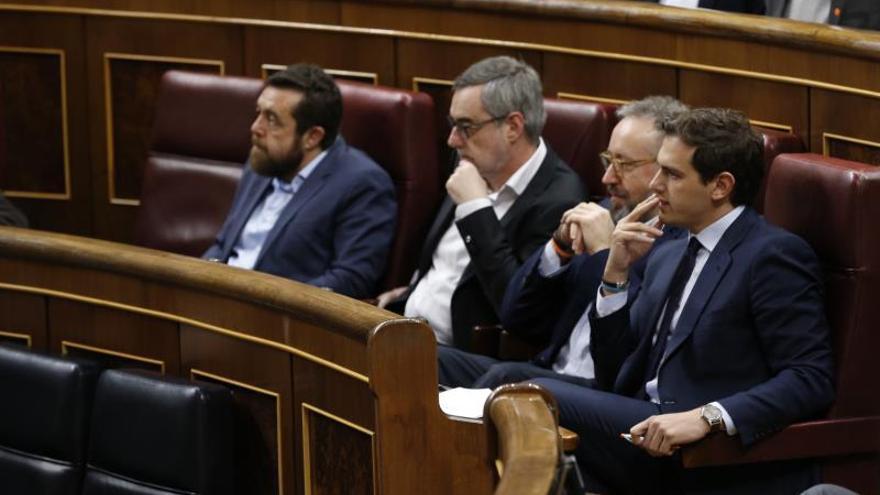 La precampaña eleva la bronca entre Sánchez y la oposición