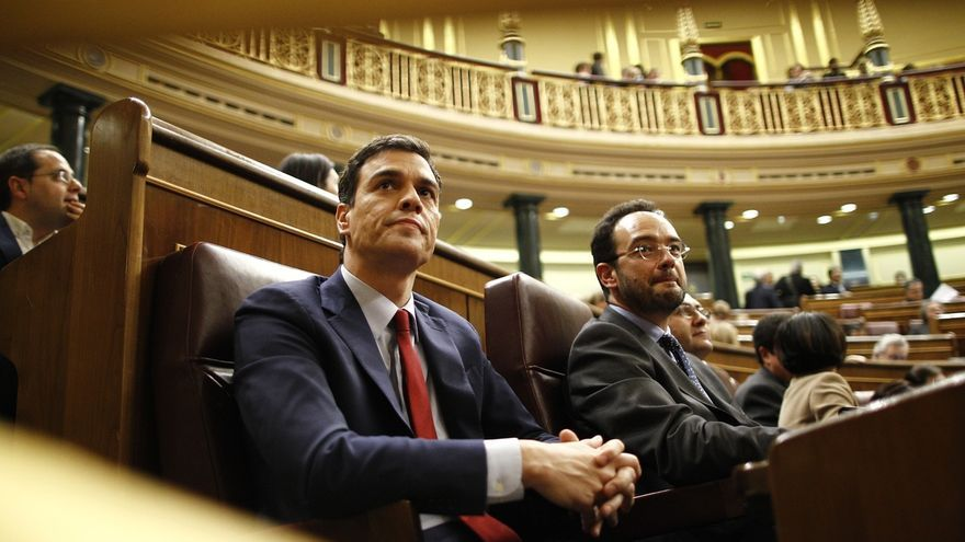 Sánchez se reunirá con el Rey Juan Carlos en Montevideo, donde coincidirán en la toma de posesión de Tabaré Vázquez