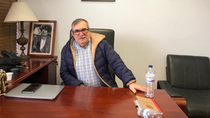 """Rodrigo Londoño Echeverri, más conocido como """"Timochenko"""", en la sede del partido Fuerza Alternativa Revolucionaria del Común (FARC)"""