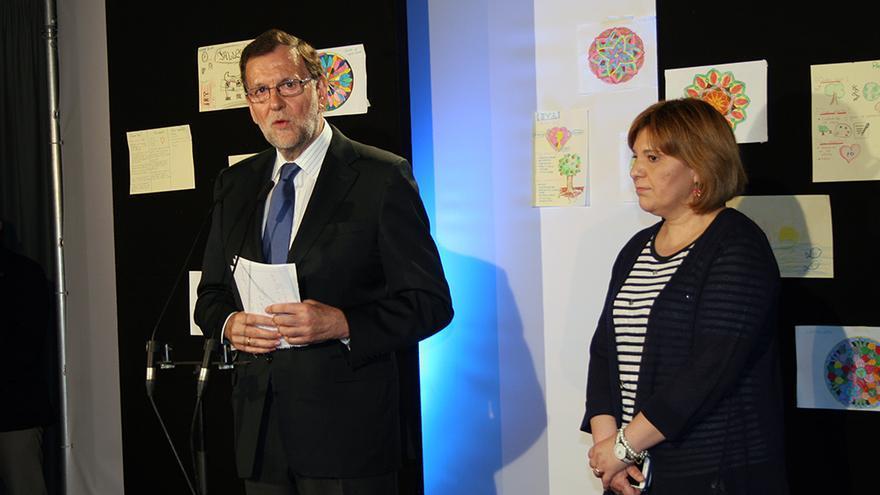 El presidente del Partido Popular, Mariano Rajoy, junto a la líder del PPCV, Isabel Bonig