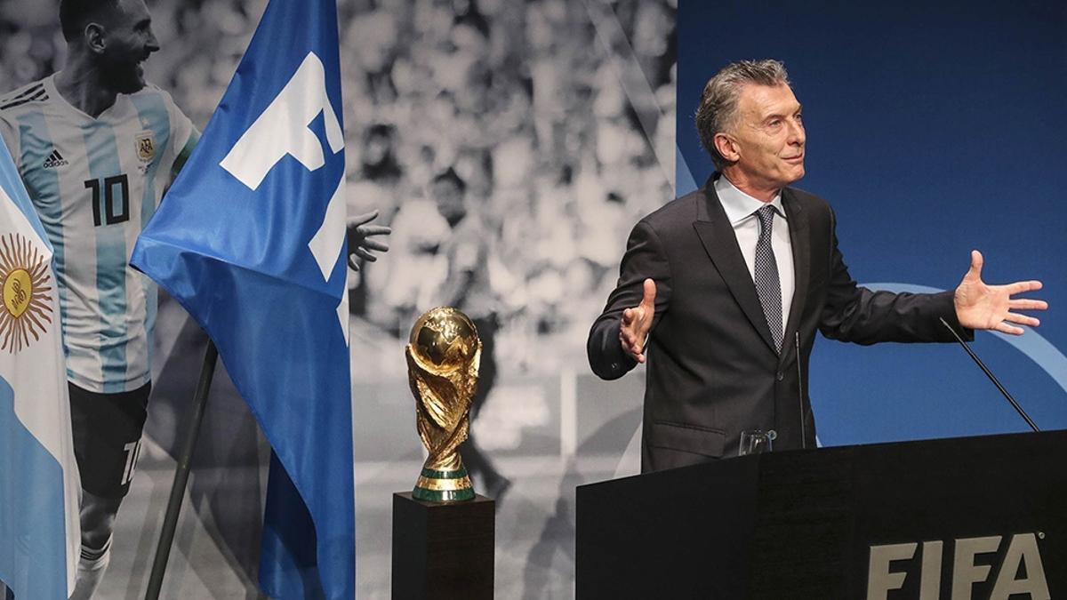 """En junio de 2019, el entonces presidente Macri recibió un premio de la FIFA """"por sus aportes al fútbol mundial""""."""
