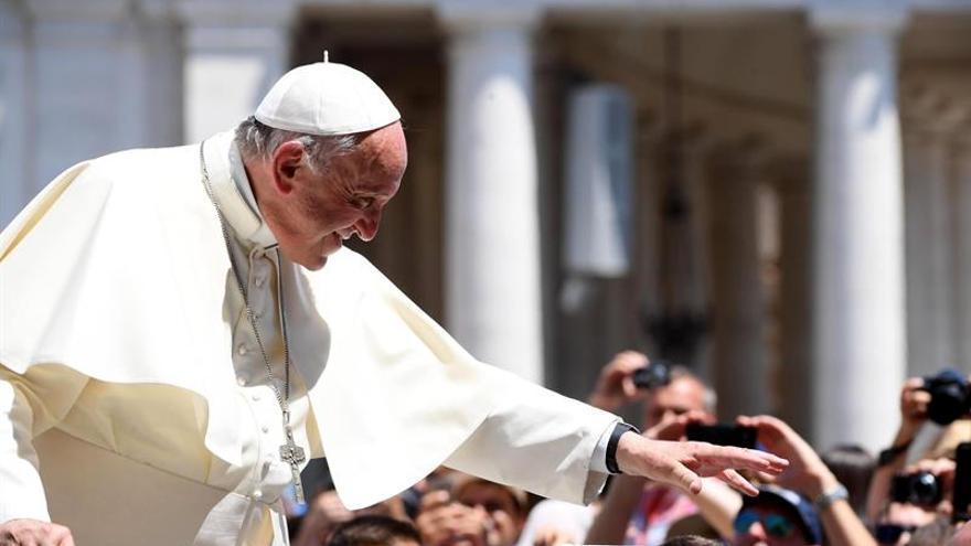 El papa propone reducir el horario laboral a los mayores para contratar jóvenes