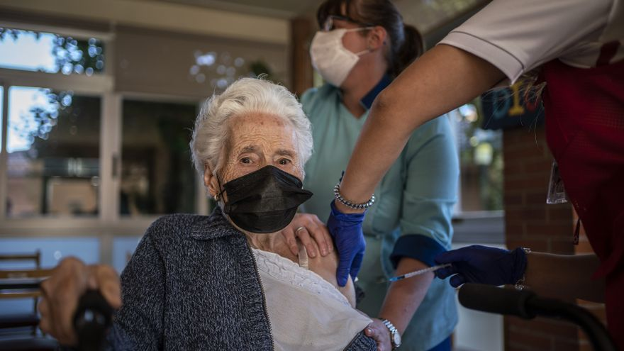 The third dose, a lifesaver from fear in nursing homes