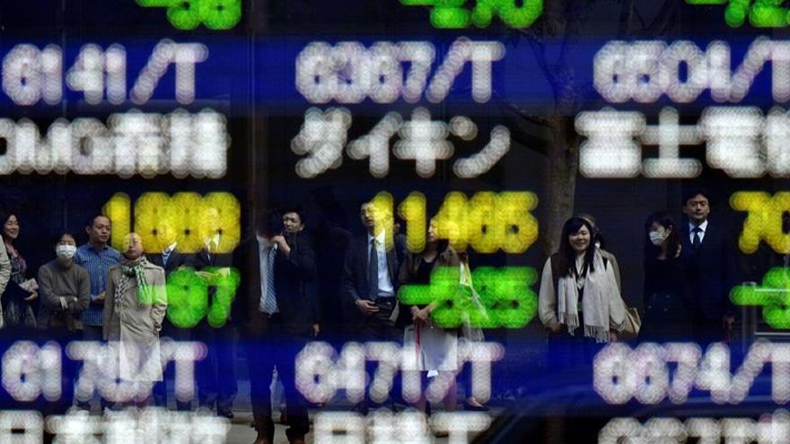 La Bolsa de Tokio baja un 0,15 % en la apertura hasta los 21.803,61 puntos