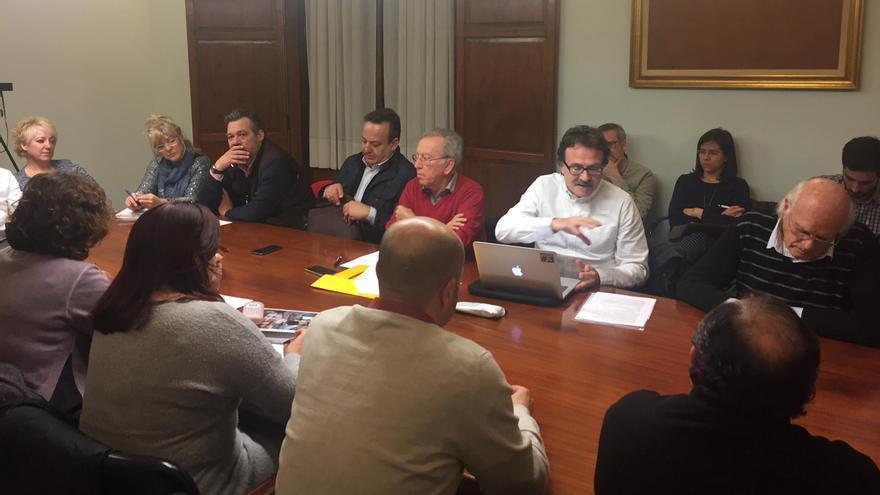 Un instante de la reunión de la mesa sectorial de movilidad de Ciutat Vella