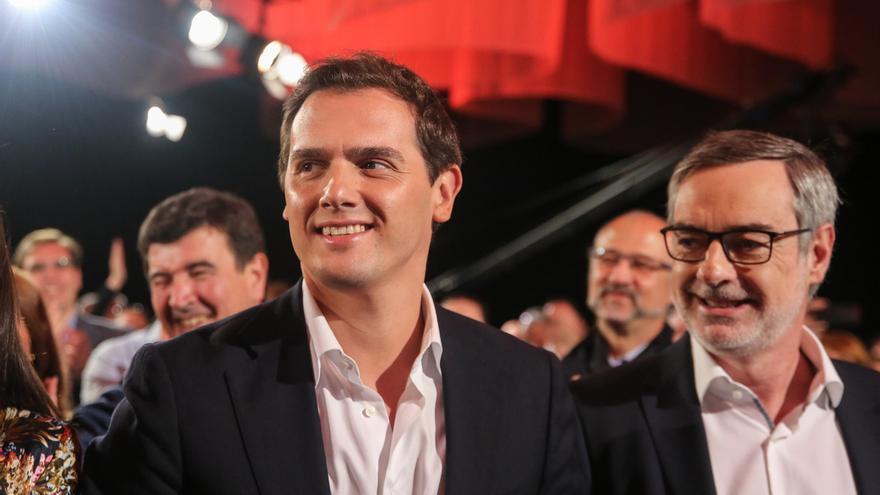 """Rivera se compromete a """"parar los pies"""" a separatistas, a """"poner a los mejores"""" y a un gran diálogo nacional"""