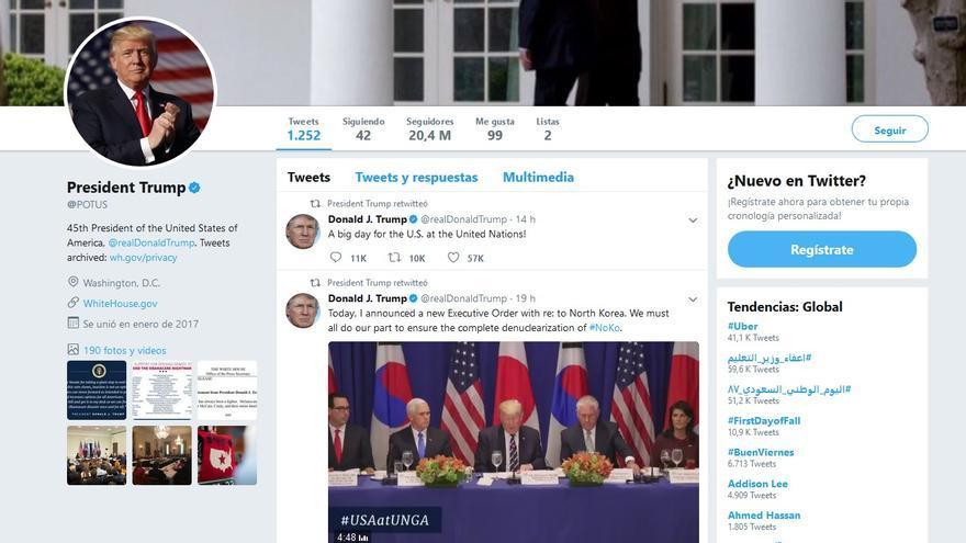 Trump sigue comunicándose desde su twitter personal y se retuitea en el Twitter oficial del presidente