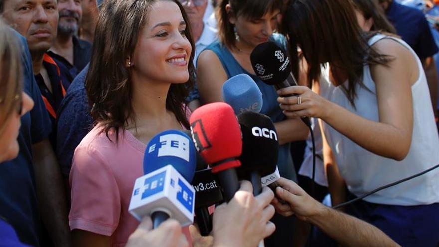 Arrimadas: Puigdemont plantea referéndum porque no puede avanzar en hoja ruta