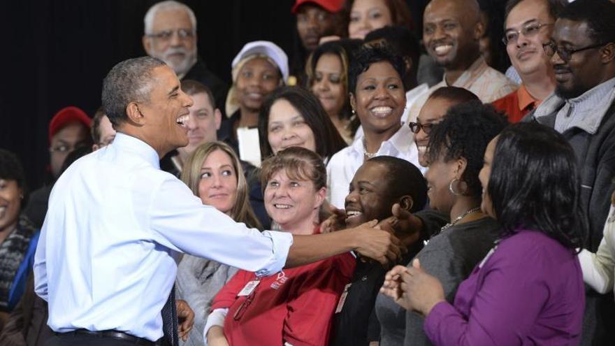 """Obama pide """"aumento"""" para EEUU e insiste en elevar el salario mínimo"""