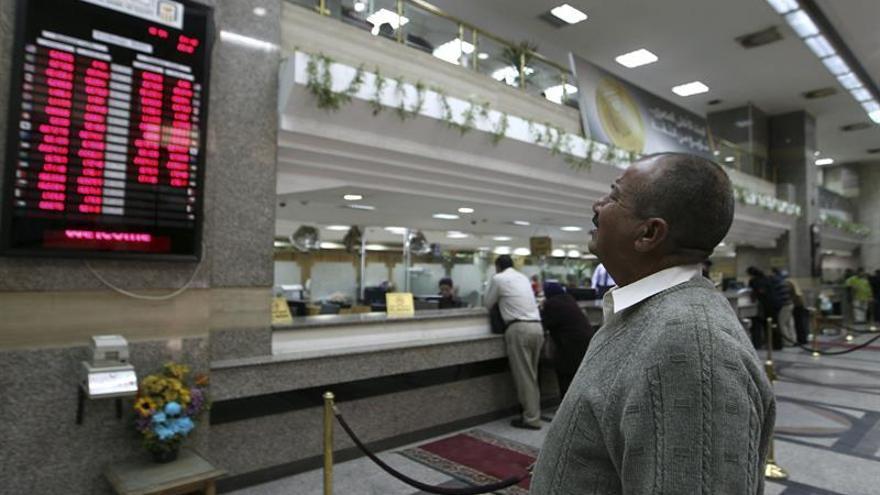 Egipto empieza a aplicar difíciles reformas para reflotar la maltrecha economía