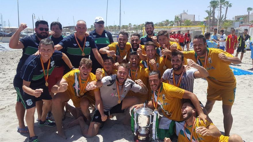 La selección andaluza de fútbol playa casi cuentas sus participaciones en el campeonato de España por triunfos