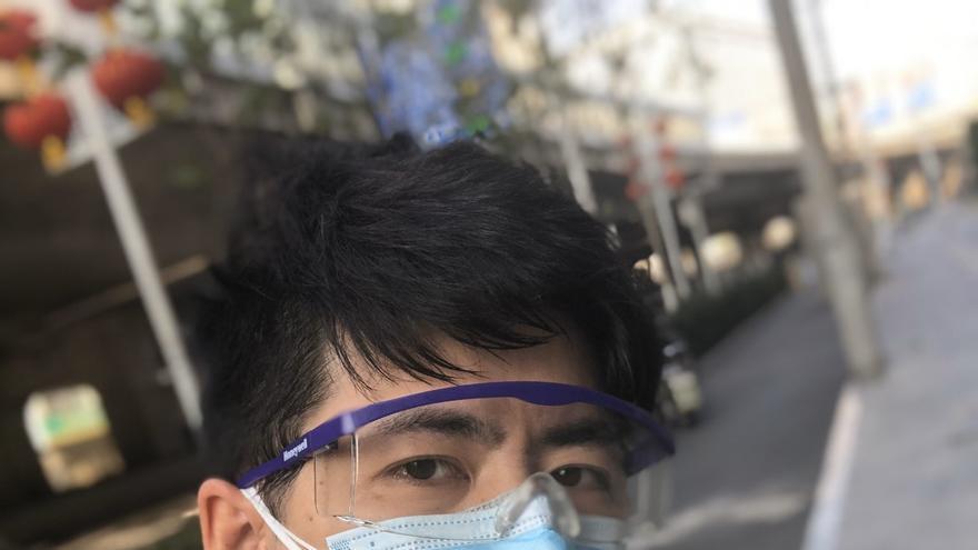 Selfie de Chen Qiushi, periodista chino durante su viaje a Wuhan, epicentro del coronavirus