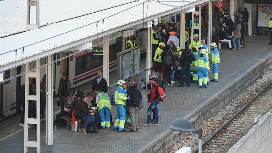 Cuarenta y cinco heridos en el accidente del Cercanías en Alcalá, 4 graves