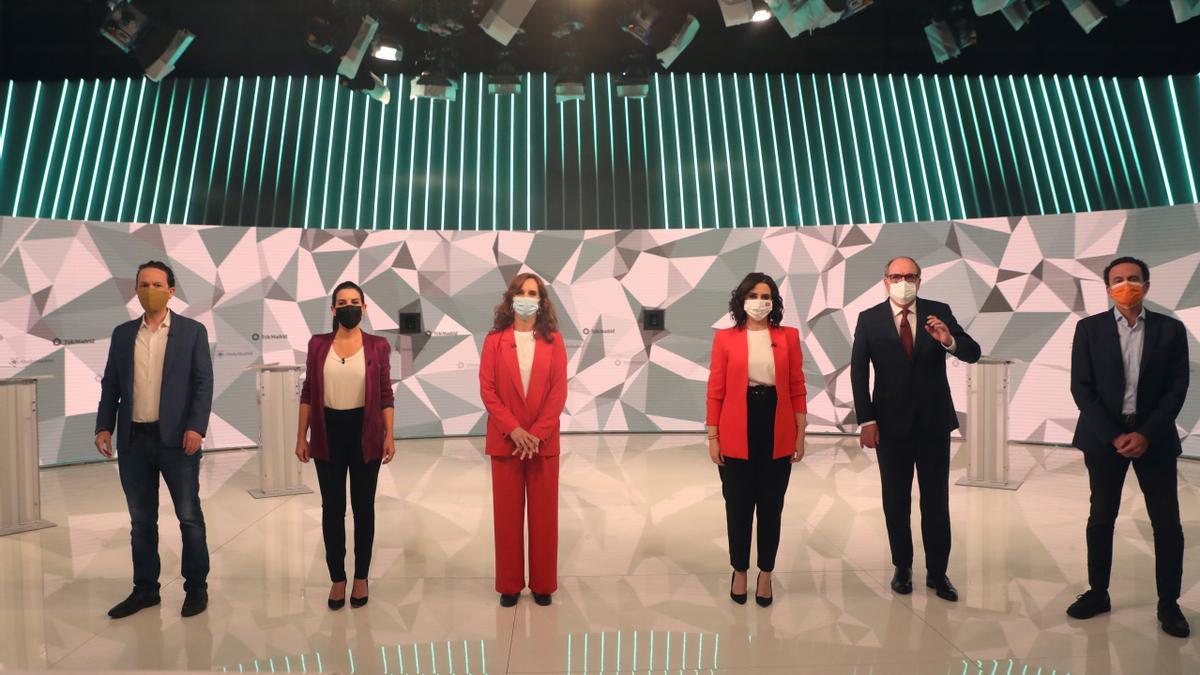 Los candidatos a la presidencia de la Comunidad de Madrid antes del inicio del debate en los estudios de Telemadrid.