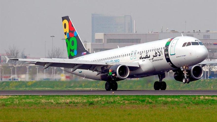 Aterriza en Malta un avión libio desviado con 120 personas a bordo