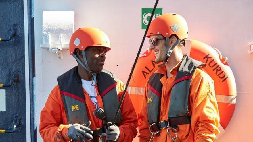 "El joven español que salva vidas en el Mediterráneo a bordo del ""Alan Kurdi"""