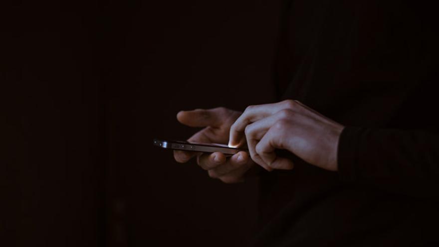 Más de la mitad de los jovenes de entre 16 y 24 años comparte sus datos personales en la red.