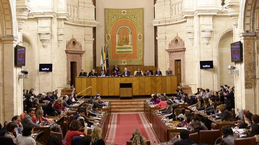 El Parlamento aprueba una modificación de la LOUA para incluir medidas sobre viviendas en suelo no urbanizable