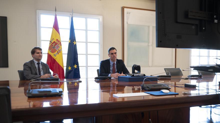 El presidente del Gobierno, Pedro Sánchez, durante la videoconferencia con los miembros del G20, el foro que reúne a las 19 economías más ricas con algunos de los principales países emergentes, más la Unión Europea. Sánchez ha asegurado que lo que busca e
