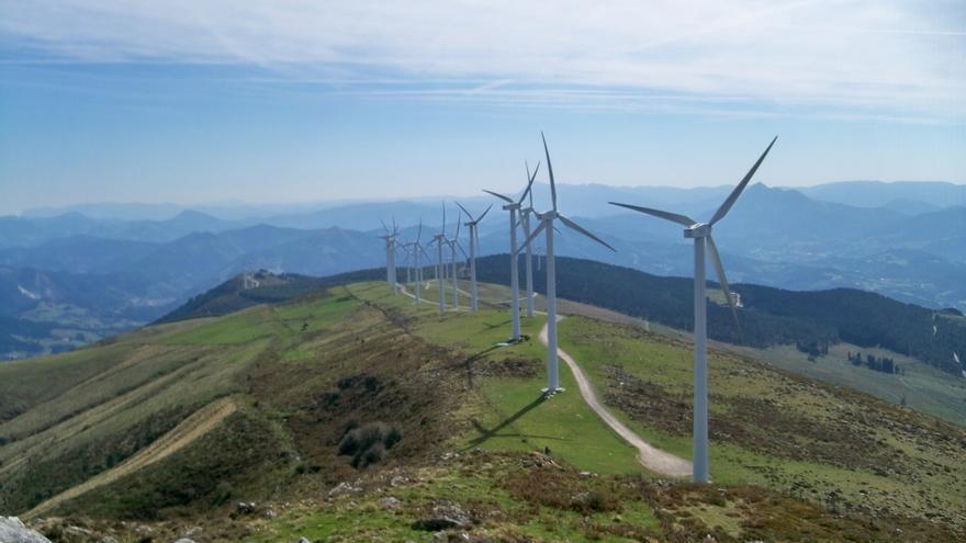 Alertan de vientos de más de 100 km/h en Euskadi para este martes y de más de 110 km/h el miércoles