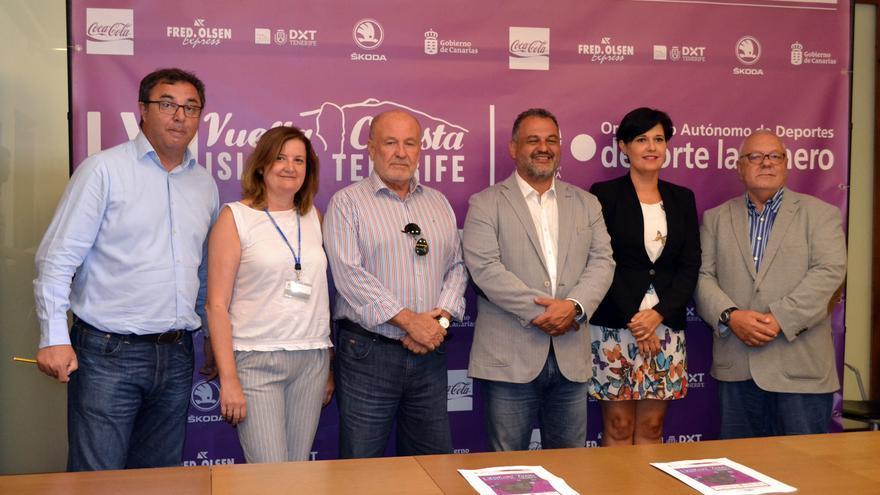 Foto de familia de la presentación este lunes en La Laguna