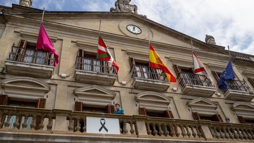 Vitoria se suma al luto oficial de diez días por las víctimas del covid-19