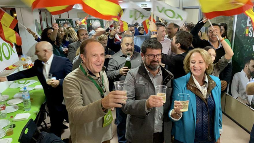 Lourdes Méndez, Joaquín Robles y Luis Gestoso, diputados de Vox por la Región de Murcia