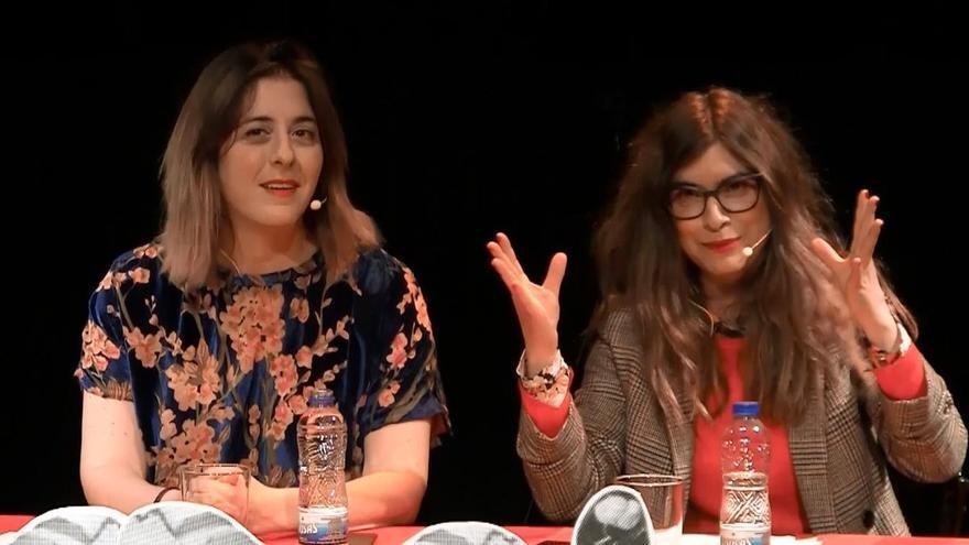 Escena del show `Deforme semanal´ de Isa Calderón y Lucía Lijtmaer