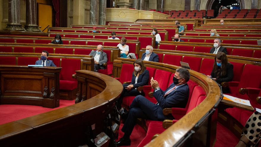 Vista general de un pleno celebrado en el Parlament de Cataluña para tratar la crisis sanitaria del coronavirus, en Barcelona, Catalunya, (España), a 6 de octubre de 2020.