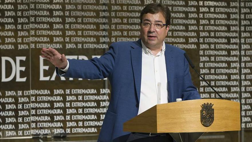PP, Podemos y C's tumban los primeros presupuestos de Fernández Vara