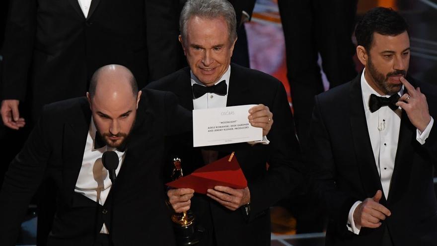 El productor de 'La La Land' informa de que 'Moonlight ha ganado los Oscar 2017